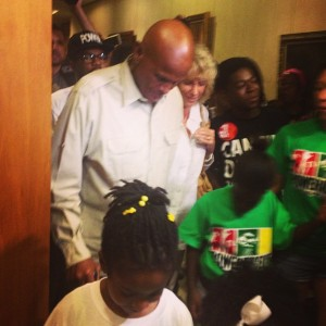 Harry Belafonte and some of the youngest protesters for #trayonslaw
