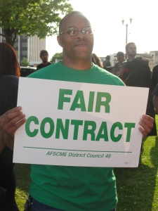 July 2 at ATU 998 rally at Milwaukee County Courthouse [Photo: WI BOPM]