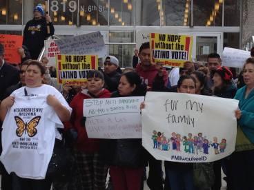 Milwaukee_March_14_Voces