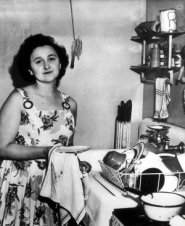 gettyimages-ethel-doing-dishes-300x367